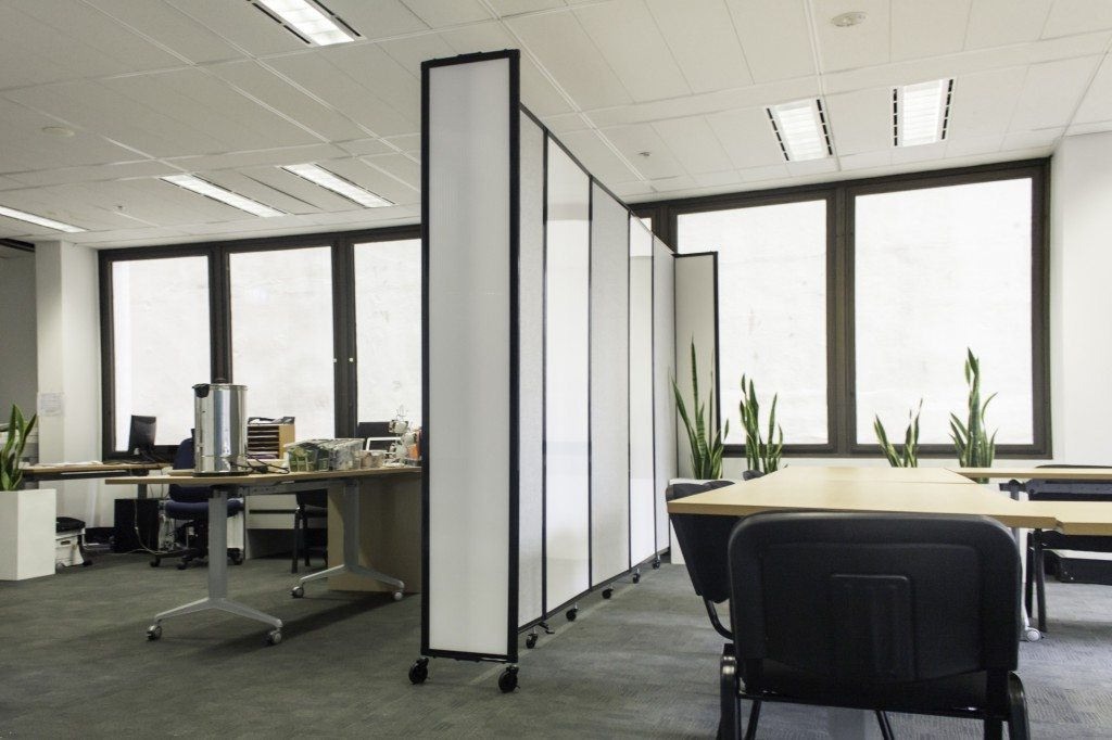 Sliding on wheels Partition Walls for workstation- Portable Partitions