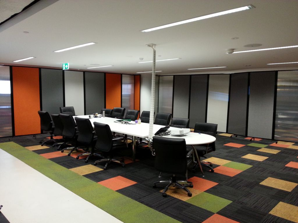 Large Wall Partition on wheels for office meeting rooms - Portable Partitions