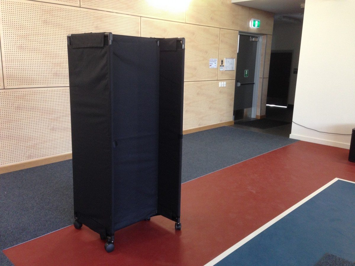 Hall Divider Partitions Wall in Black Screen - Portable Partitions