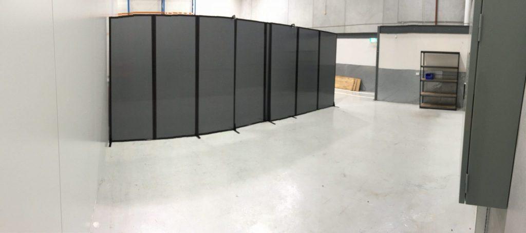 polycarbonate black flexible room divider - Portable Partitions