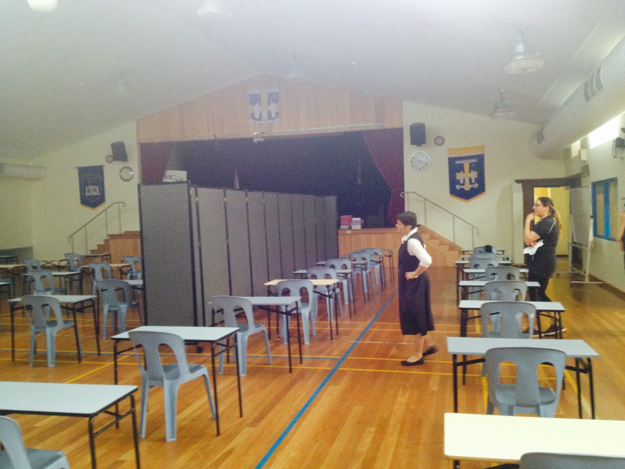 mobile room divider in classroom area- portable partition