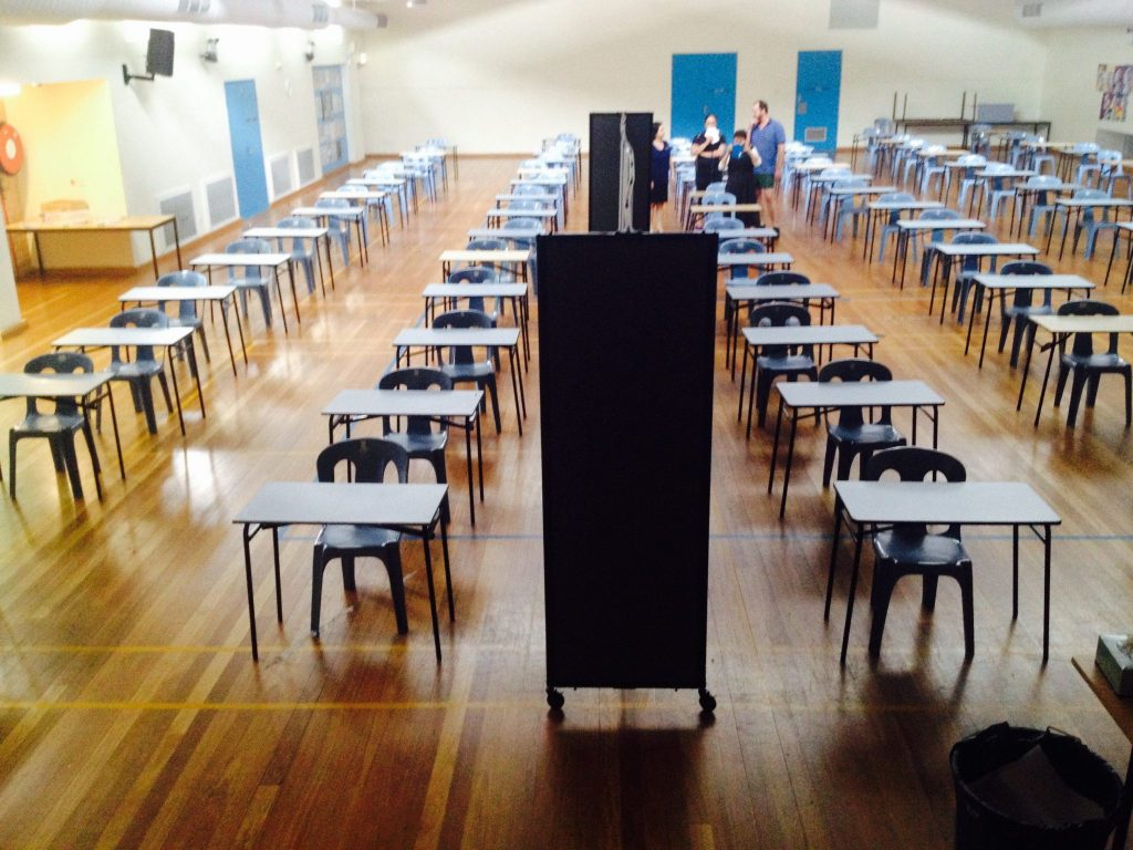 Black temporary walls for exam halls - Portable Partitions