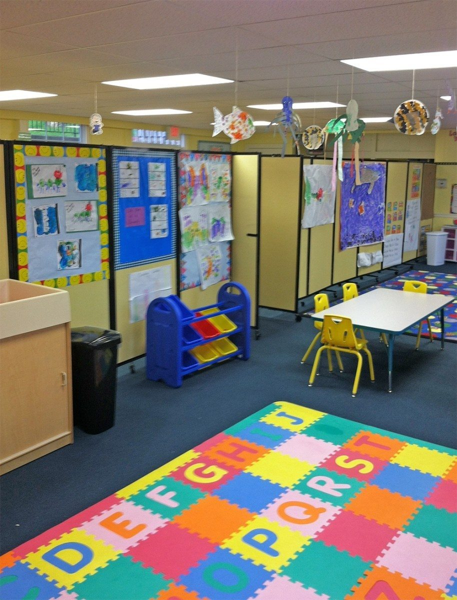 Mobile Room Divider and Pin board for School - Portable Partitions