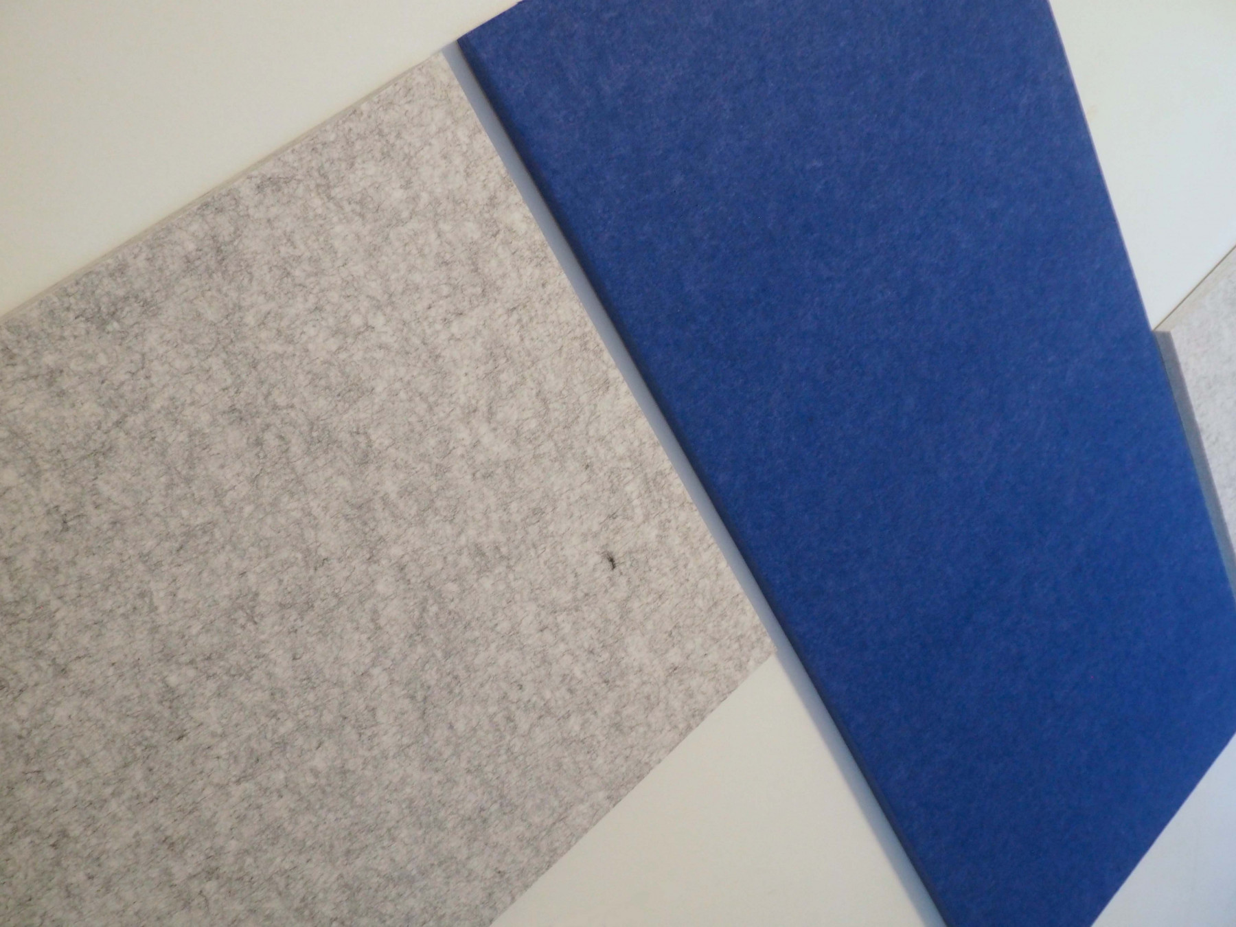 SoundSorb Tiles to improve office attention- portbale partition