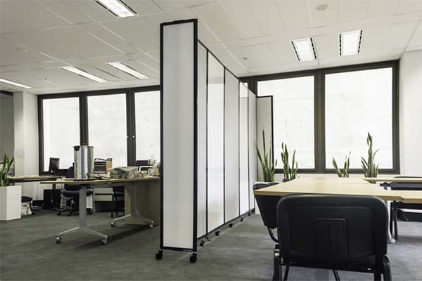 Polycarbonate 360 Degree Room Divider in office space