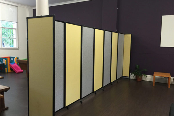Acoustic room dividers and partitioning Applications - Portable Partitions