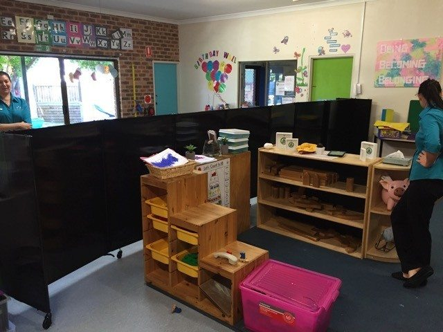 custom height polycarbonate temporary walls for playroom - Portable Partitions
