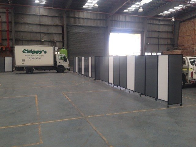 grey and white polycarbonate temporary walls - Portable Partitions