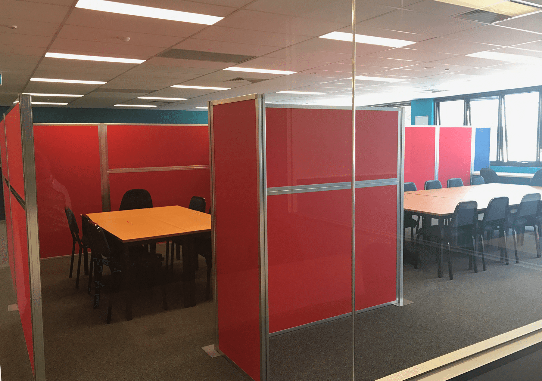 red privacy portable partition screen - Portable Partitions