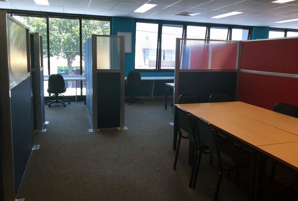 Privacy walls for workstation partition system - Portable Partitions