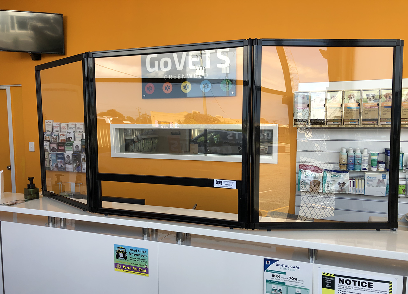 Perth-Veterinary-Clinic-Use-Countertop-Protection-Screen-to-Keep-Staff-Safe-Portable-Partitions-Australia