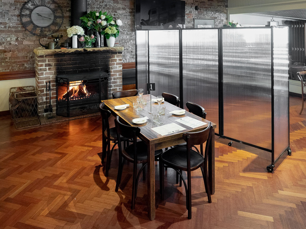 Movable Restaurant Partitions & Banquet Room Dividers